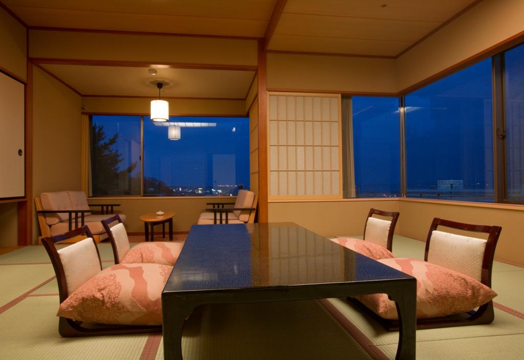 琵琶湖畔おごと温泉 湯元舘
